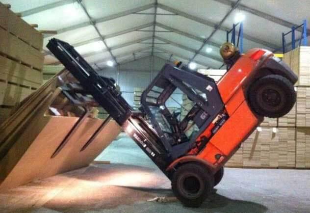 Безпека при роботі з складською технікою